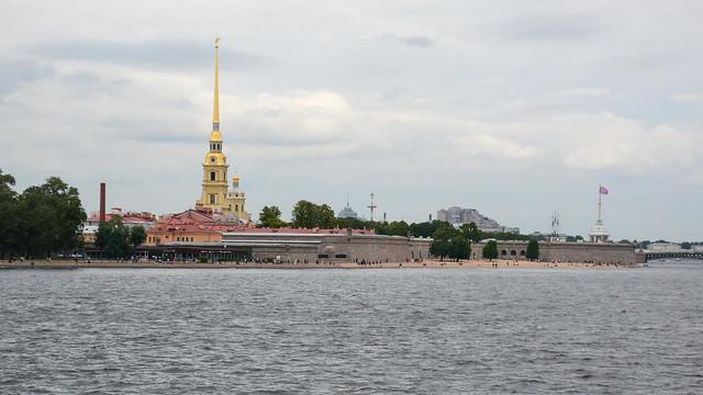 Санкт-Петербург. Вид на Петропавловскую крепость.
