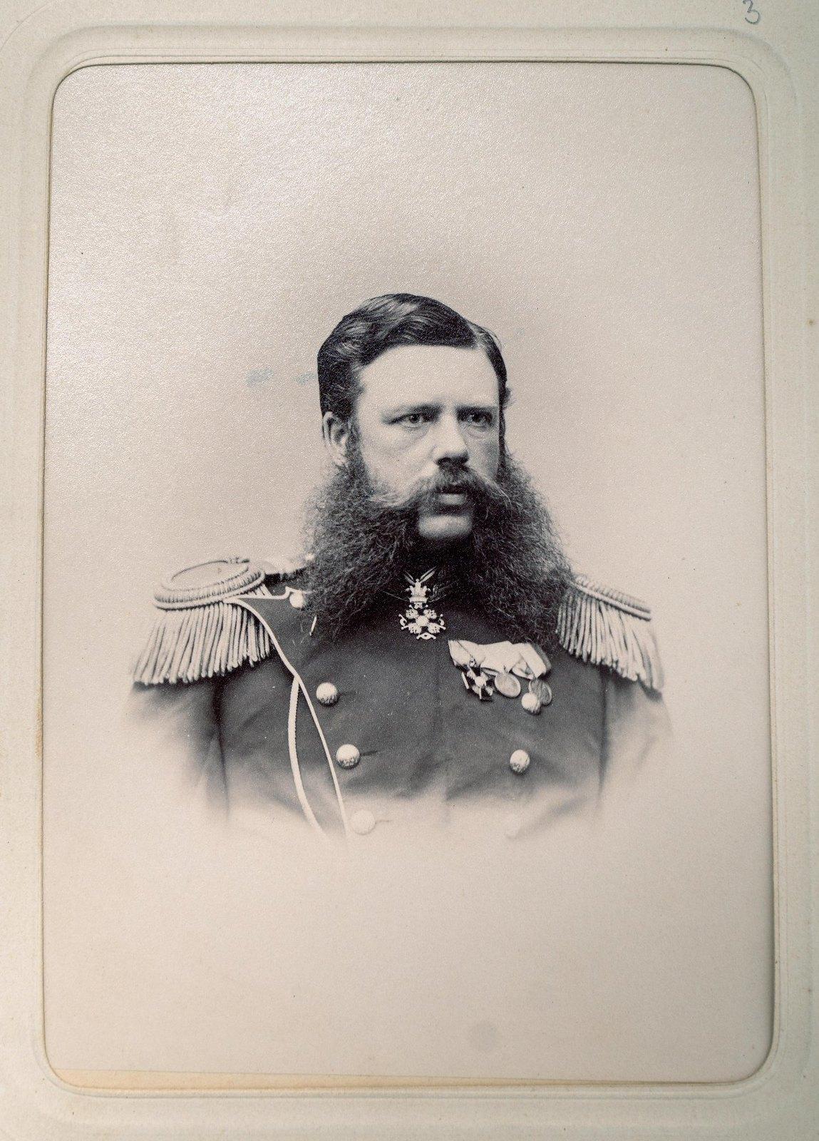 Неизвестный офицер Измайловского полка5