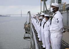 Sailors man the rails as USS Emory S. Land (AS 39) transits San Francisco Bay, Aug. 16 (U.S. Navy/MC3 Zachary Grooman)
