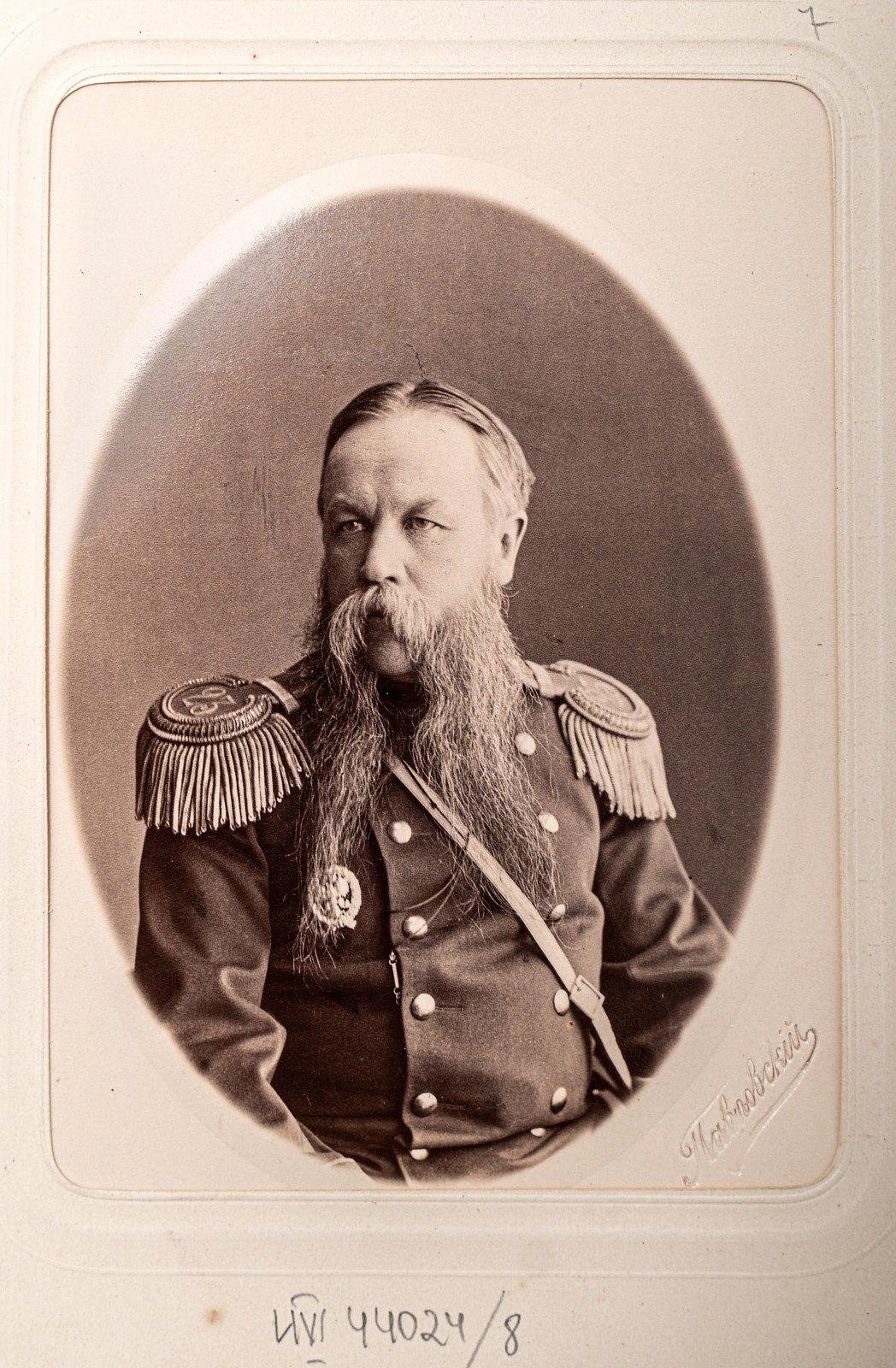 Неизвестный офицер Измайловского полка1