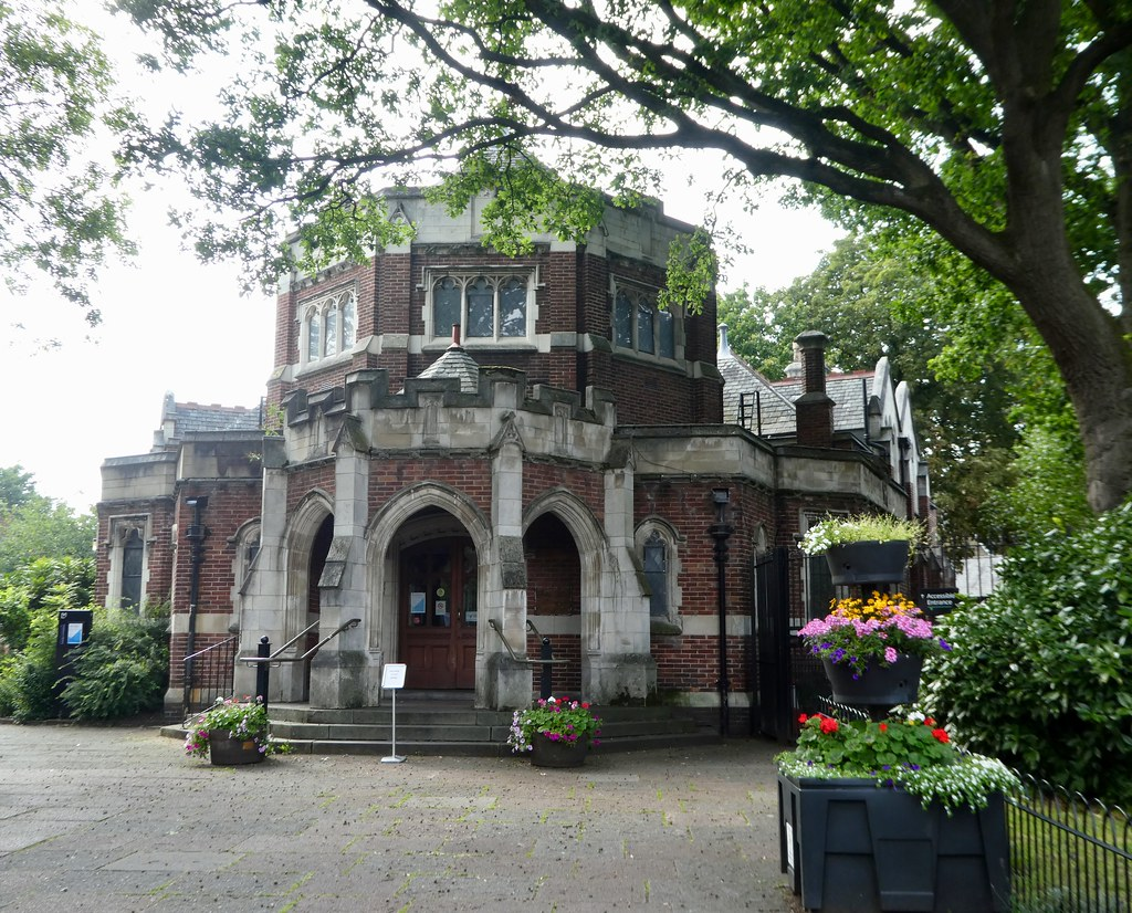Didsbury Village library