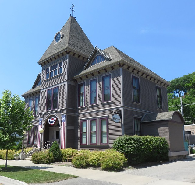 Old Emmet County Courthouse (Harbor Springs, Michigan)