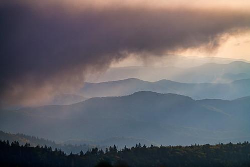 appalachia appalachianmountains clingmansdome greatsmokymountainsnationalpark smokymountains dawn nationalpark sky