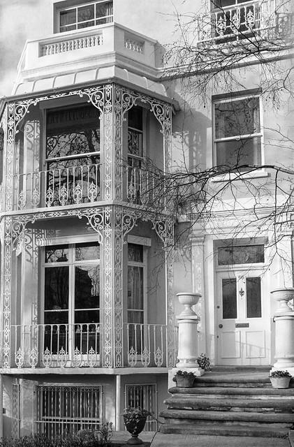 Holland Park Ave, Holland Park, Kensington & Chelsea, 1988 88-1b-31-positive_2400