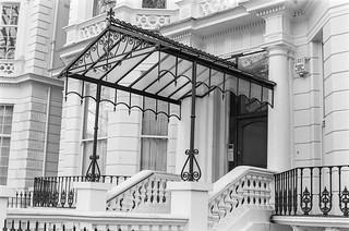 Holland Park, Holland Park, Kensington, Kensington & Chelsea, 1988 88-1d-61-positive_2400