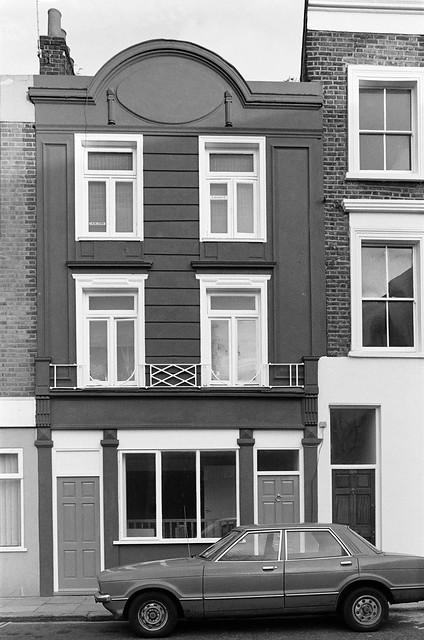 Walmer Rd, Notting Hill, Kensington & Chelsea, 1988 88-1b-21-positive_2400