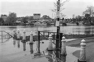 Flooding, River Thames, Richmond, 1988 88-1a-01-positive_2400