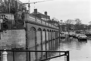 Flooding, River Thames, Richmond, 1988 88-1a-02-positive_2400