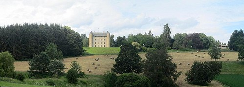Methven Castle and Outbuilding