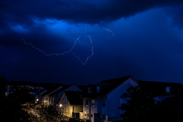 weather_lightning_1_1600