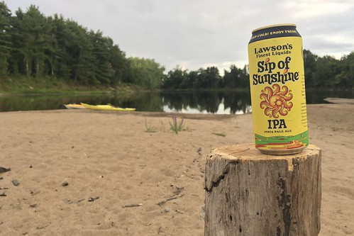 concord nh 03301 merrimackriver paddling kayaks sunset darkskies newhampshire beer ipa lawsons sipofsunshine finestliquids sandbar