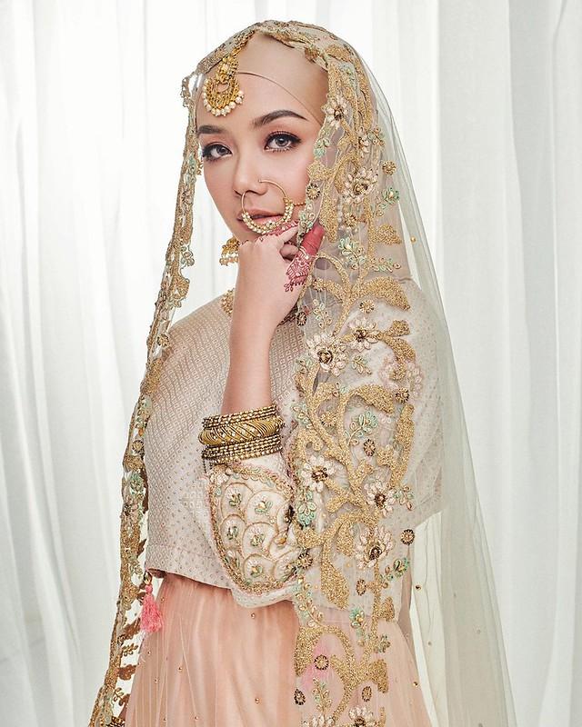 Gambar Mira Filzah Persis Bintang Bollywood Raih Likes Di Ig