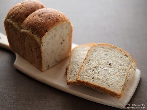 雑穀とシードの食パン 20200816-DSCT6828 (2)