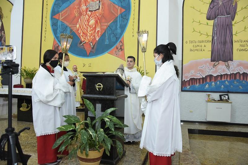 Santa Eucaristia pelo Jubileu dos 50 anos de nossa Paróquia Santo Antônio - Parque