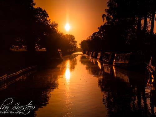 draycottphotography fradleyjunction olympus canal canalboats dawn goldenhour sunrise water burtonupontrent england unitedkingdom