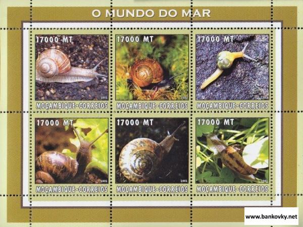 Známky Mozambik 2002 Slimáky neraz. hárček MNH