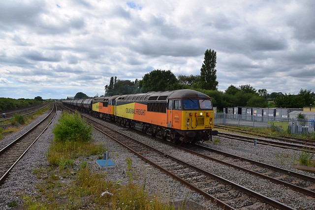56078 & 56090 with the 10.05 Preston Tanks approaching Barnetby, enroute to Lindsey. 17 07 2020