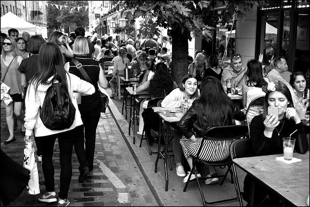 Street eating - DSCF5626a