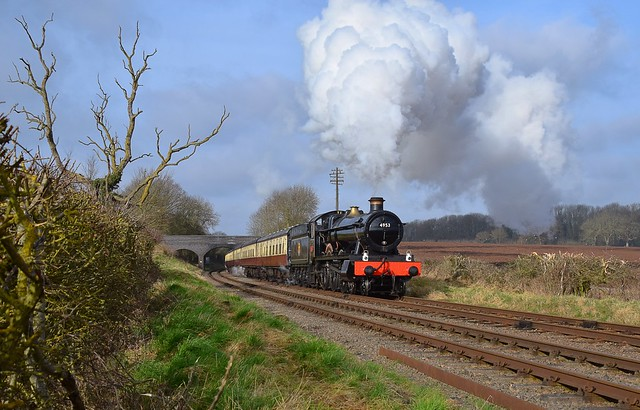Locomotive No.4953 'Pitchford Hall', with the Blood & Custard rake of carriages. heading south from Loughborough, Great Central Railway. 05 02 2020