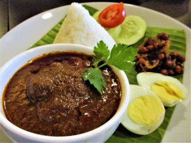 Cafe IND beef rendang