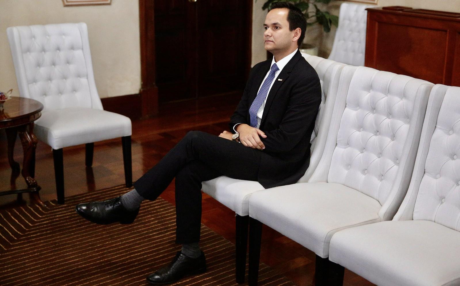 Directivos de la ANJE visitan a presidente Danilo Medina y ...