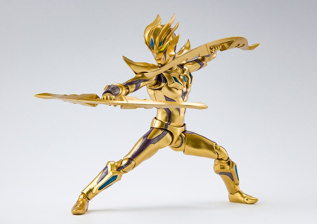 S.H.Figuarts 超人力霸王ZERO 極越型態[GALAXY GLITTER] 超越極限的金色光輝!