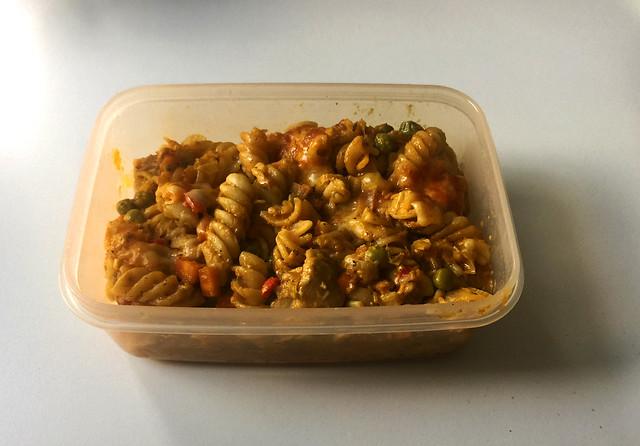 Creamy chicken vegetable pasta bake - Leftovers III / Cremiger Hähnchen-Gemüse-Nudelauflauf  - Resteverbrauch III
