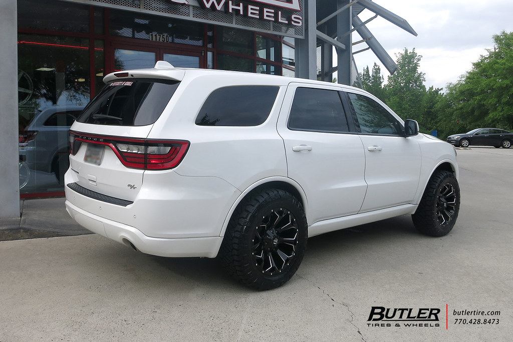 Lifted Dodge Durango With 20in Fuel Assault Wheels And Nit Flickr