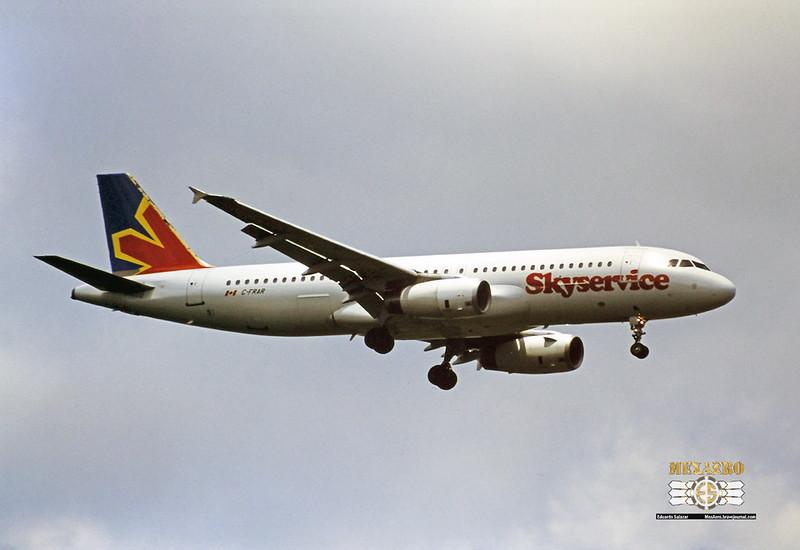 Skyservice / Airbus A320-231 / C-FRAR