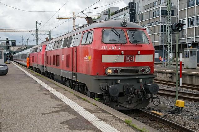 DB 218 487 + 218 343 Stuttgart Hbf
