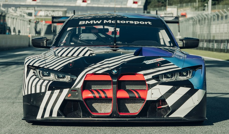 2021-BMW-M4-and-M4-GT3-14