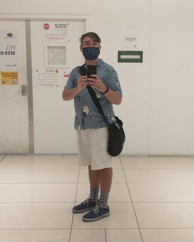 Me, after work #toronto #manulifecentre #me #selfie #mirror #instagay