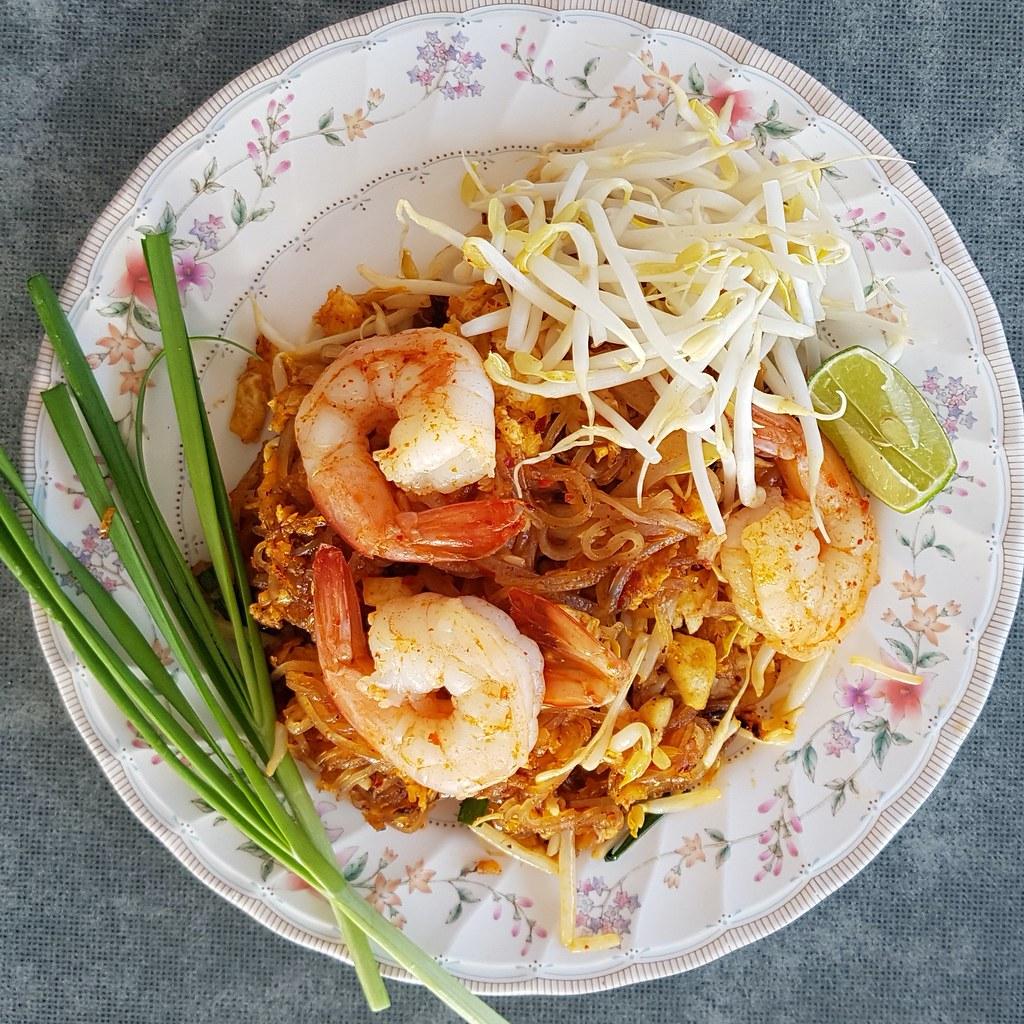 ผัดไทกุ้ง - Shrimp Pad Thai