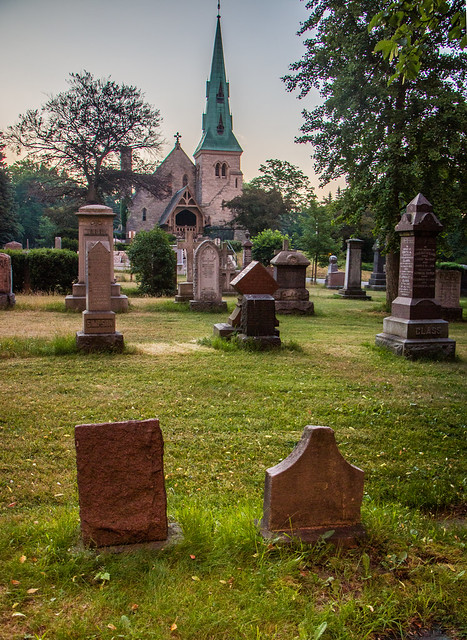 Toronto at 6am - St. James Cemetery