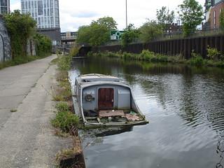 Abandoned boat, Bow