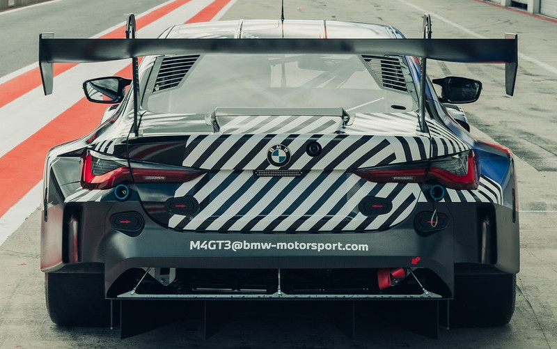 2021-BMW-M4-and-M4-GT3-17