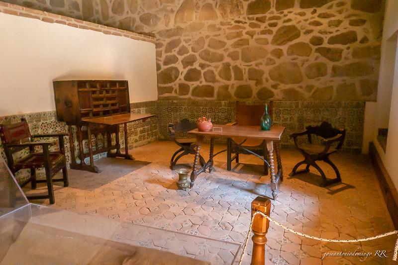 Casa del alcaide en el castillo.