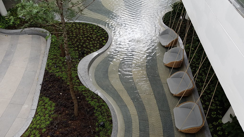 ที่นั่งพักกลางสวนน้ำ เมกาบางนา
