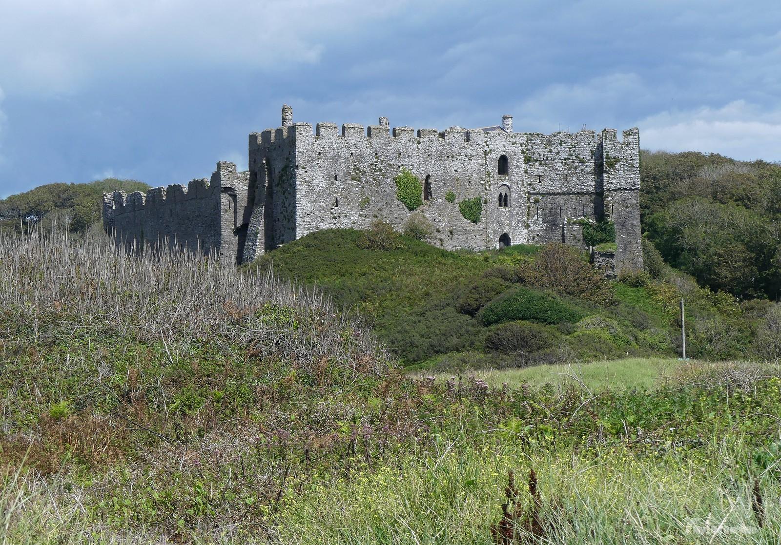P1240294 - Manorbier Castle