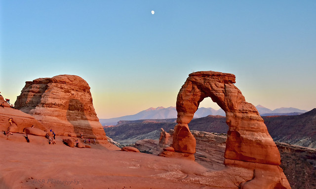 Delicate Arch with the Moon
