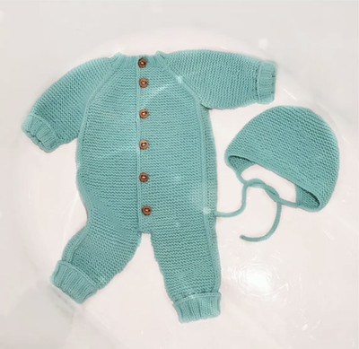 Veronica (@xovee.knits) learned a new skill so she used it to knit this top-down baby jumpsuit using the measurements from one of her son's onesies!