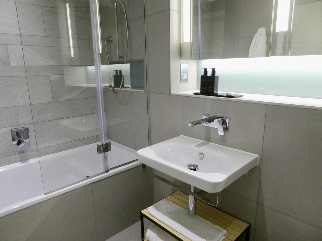 Bathroom, CitySuites Manchester