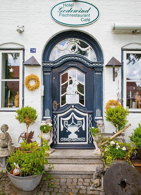 Doors Of Tönning No. 7