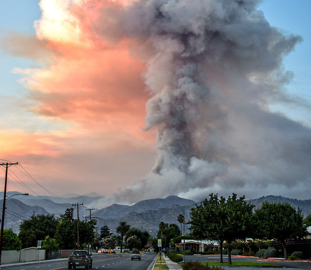 photo of a tower of smoke rising from the Azusa, California