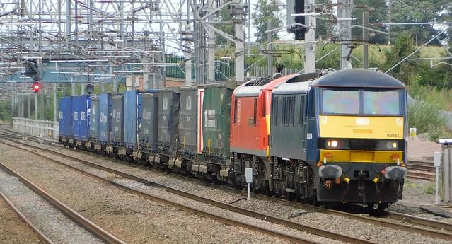 90034 + 90028 - Lichfield Trent Valley, Staffordshire