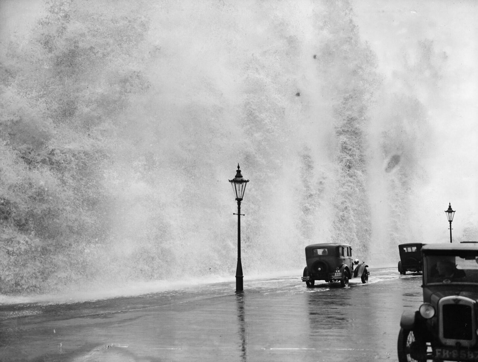 1931. Штормовая погода в Скарборо в Йоркшире. 8 августа