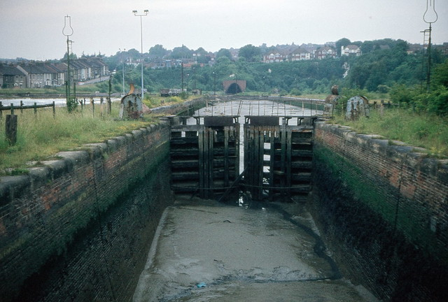 The Thames & Medway Canal