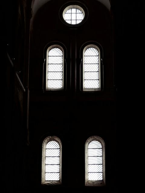 vitraux de pierre soulages -conques 50254204091_37511e02ae_z