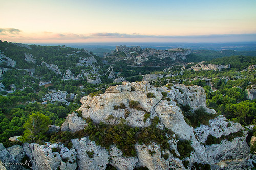 dji phantom 3 france provence alpilles bauxdeprovence sunrise aerial photography