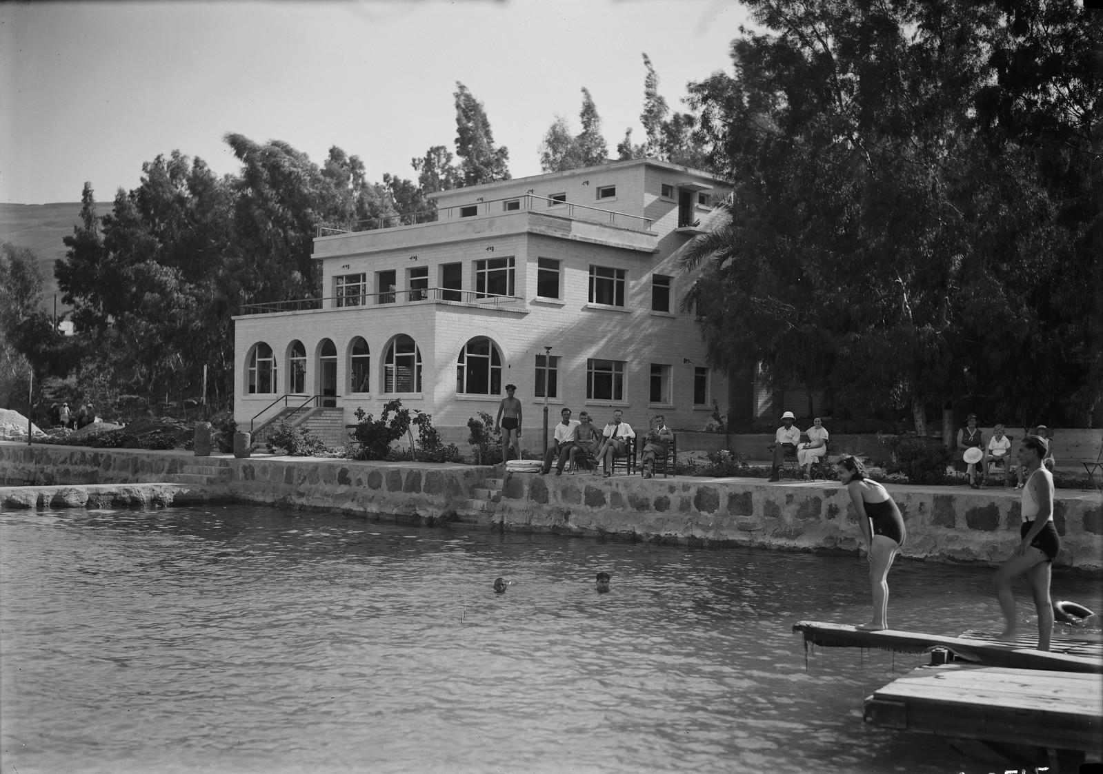 15. Отель и пляж «Лидо». Общий вид